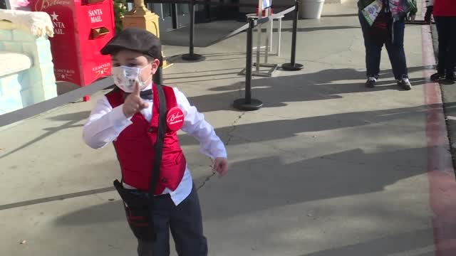 Santa Picks 5-Year-Old As Mailman For The Day