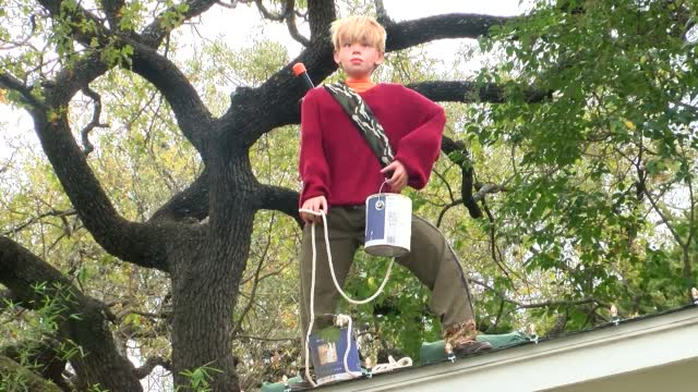 Family Decorates Residence With Nod To 'Home Alone'