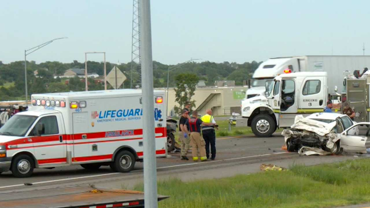 Serious Crash On I-40 Shuts Down Highway Near Weatherford