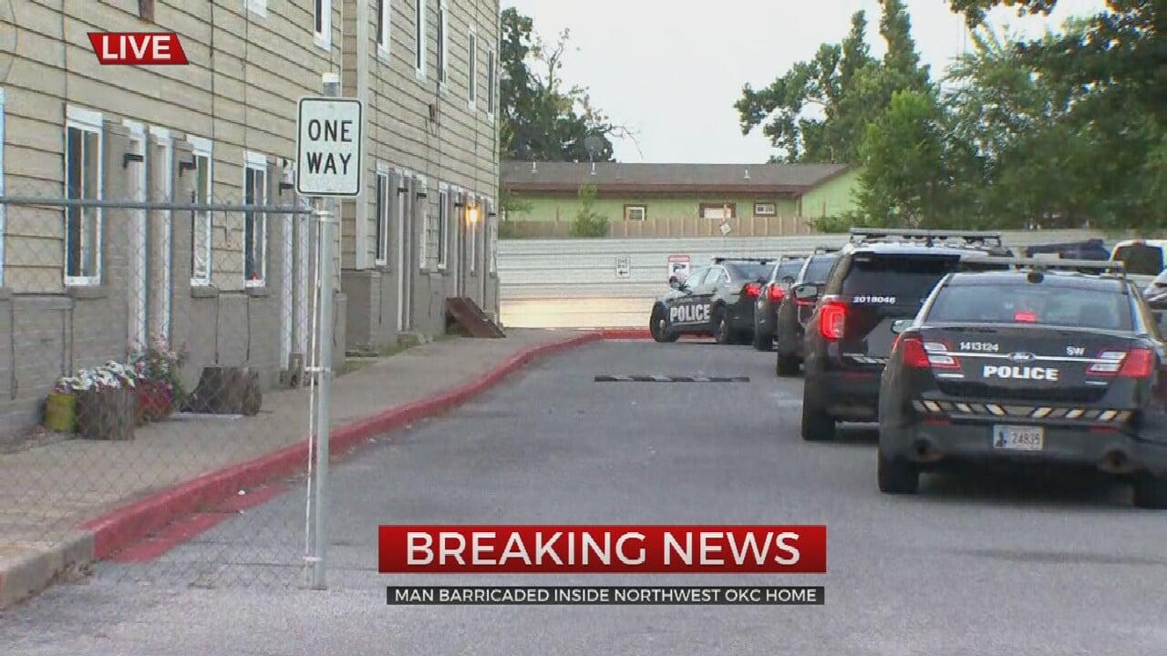 Man Barricades Inside OKC Home, Police Working To End Standoff