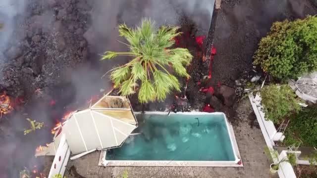 Volcano Erupts In Spanish Island Causing Chaos