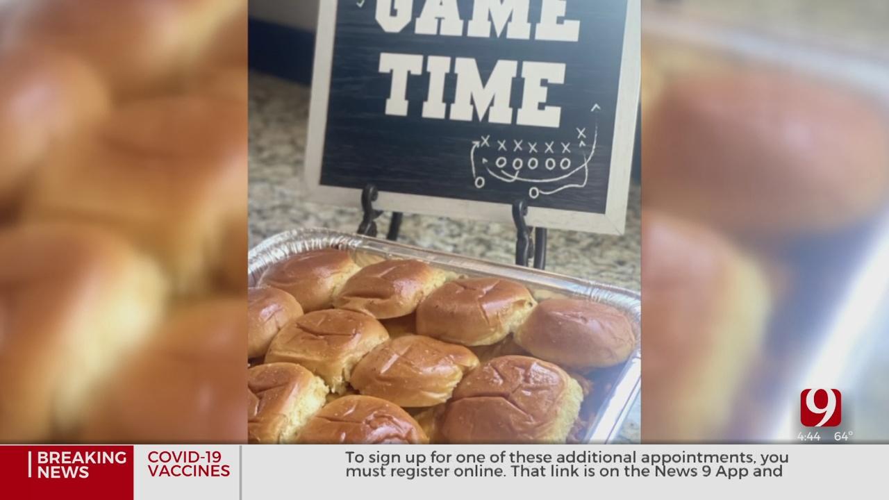 Kansas City Pulled Pork Tailgate Sandwiches