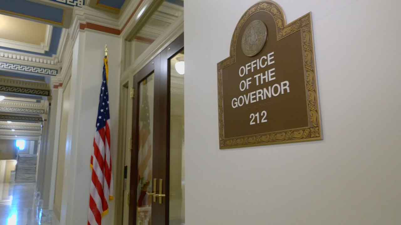 Senate Committee OKs Bill To Limit Governor's Education Board Firing Power