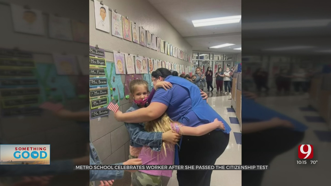 Deer Creek Elementary Celebrates Cafeteria Manager After She Passes US Citizenship Test