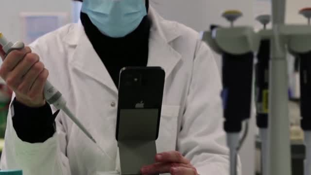 Researchers Developing New, Rapid COVID-19 Test That Connects To A Smartphone