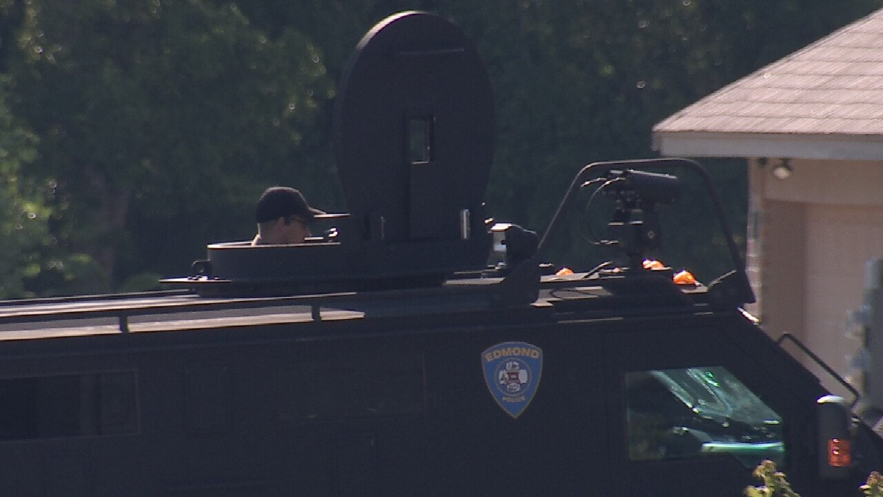 Man Barricades Inside Home After Injuring Woman; Edmond SWAT Team Engaged In Standoff