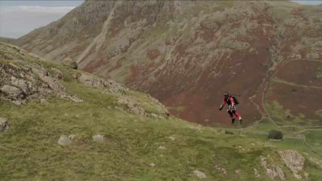 Paramedics Test Emergency Jet Packs For Places Helicopters Can't Reach
