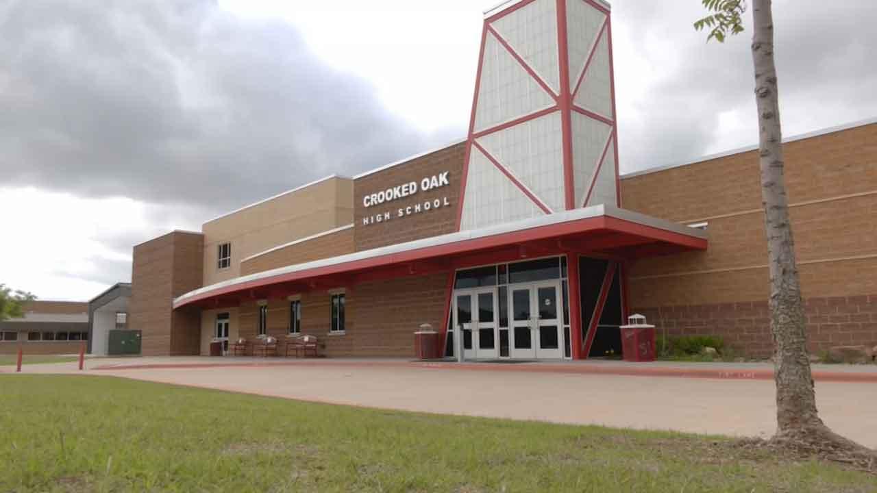 Metro School District Offers $2,500 Signing Bonus For New Teachers