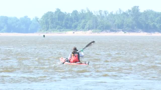 Kansas City Woman Attempts New Paddling Record Along Mississippi River