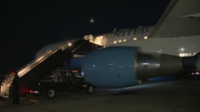 Pence Plane Hits Bird, Returns To New Hampshire Airport