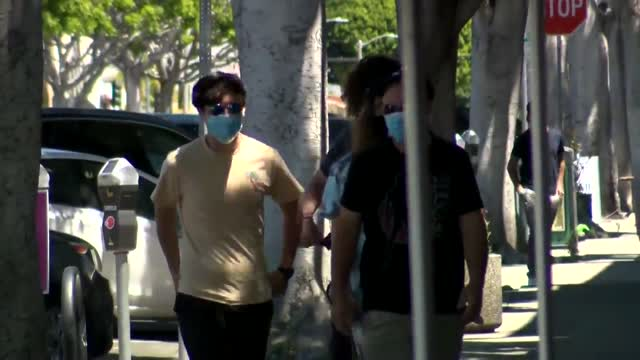 Medical Professionals Recommend The Public Continue Wearing Face Masks