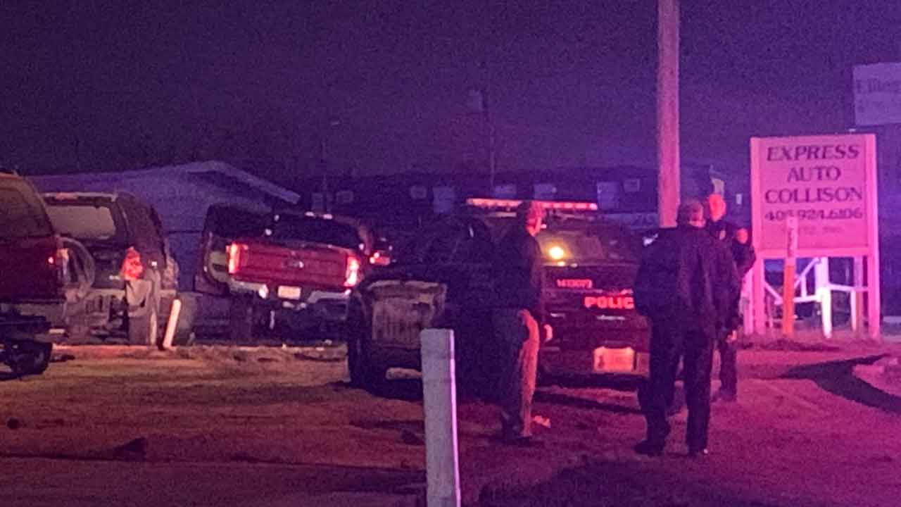 Suspect In Custody After Leading Police On Chase In Stolen Vehicle On I-35