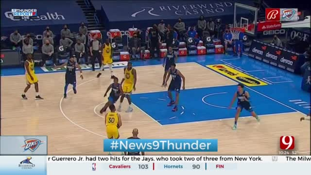 Curry's 42, Green's Triple-Double Lead Warriors Past Thunder