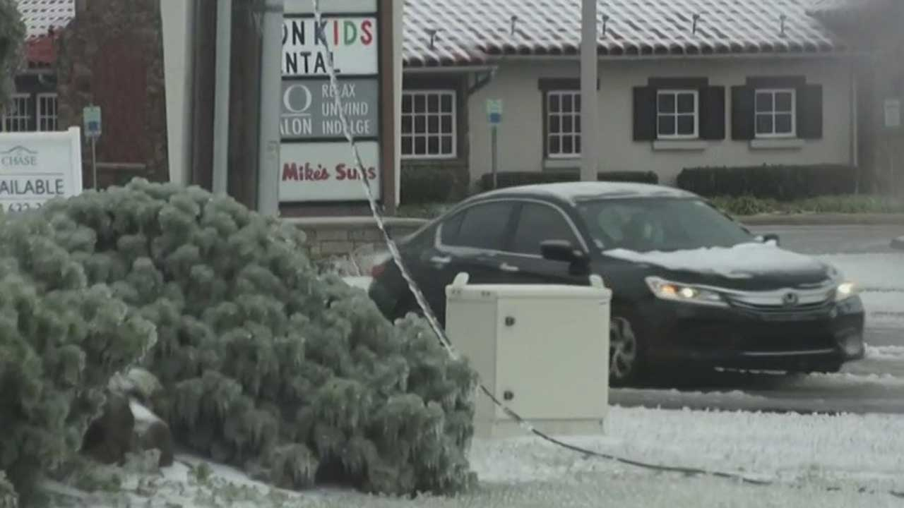 More Than 360,000 Power Outages Reported Across Okla. Amid Ice Storm