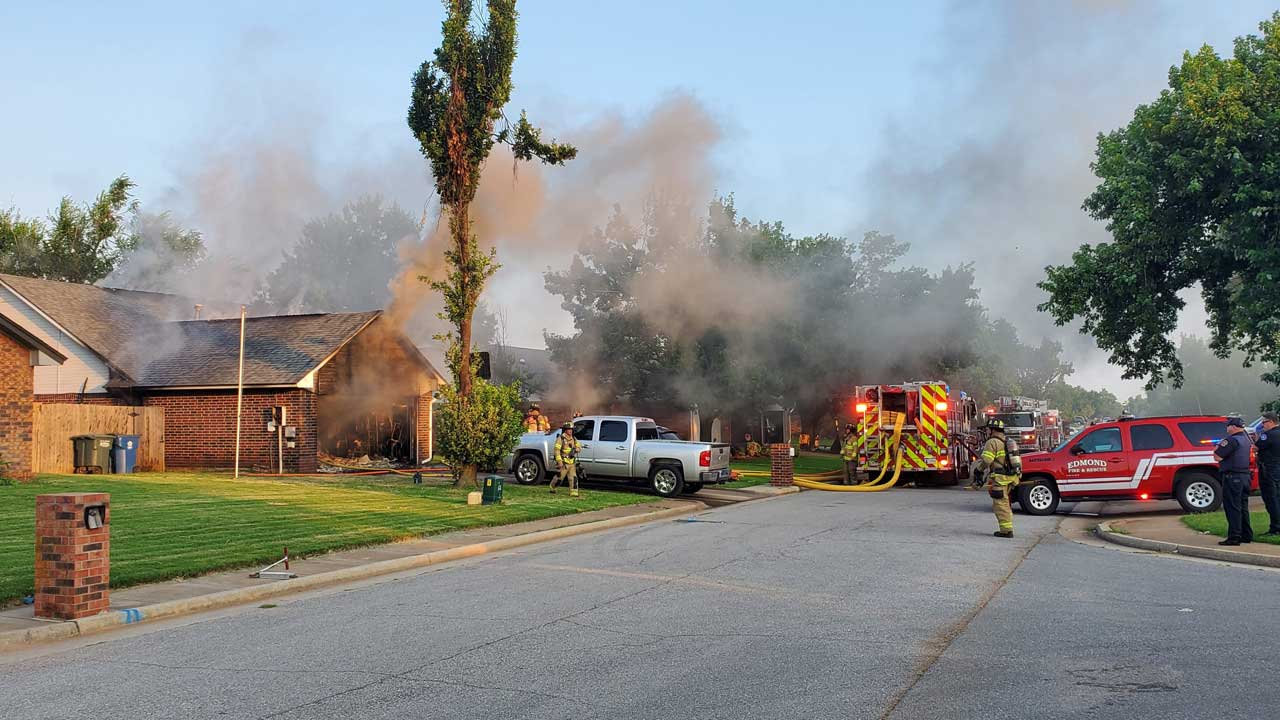 Children Playing Outside Call 911, Notify Residents Of Edmond House Fire