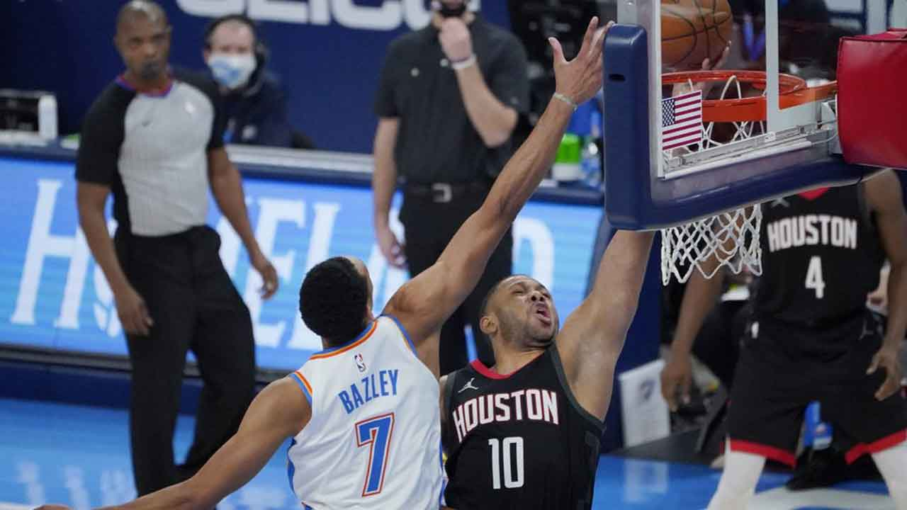 Williams Scores 19; Thunder Win Rematch With Rockets 104-87