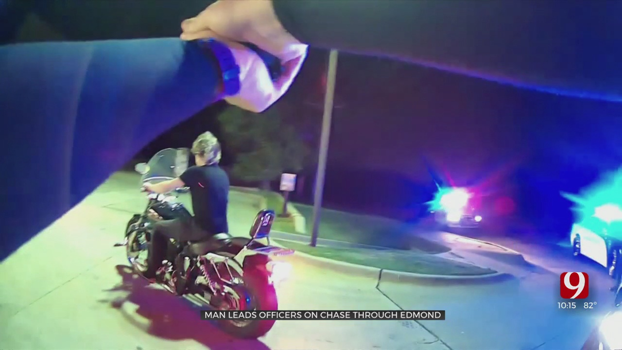 Motorcyclist Leads Police On Chase Through Edmond