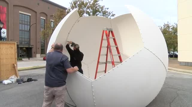 Image for VIDEO:  Installing the WAAY 31 StormTracker Early Warning Radar Network in Decatur
