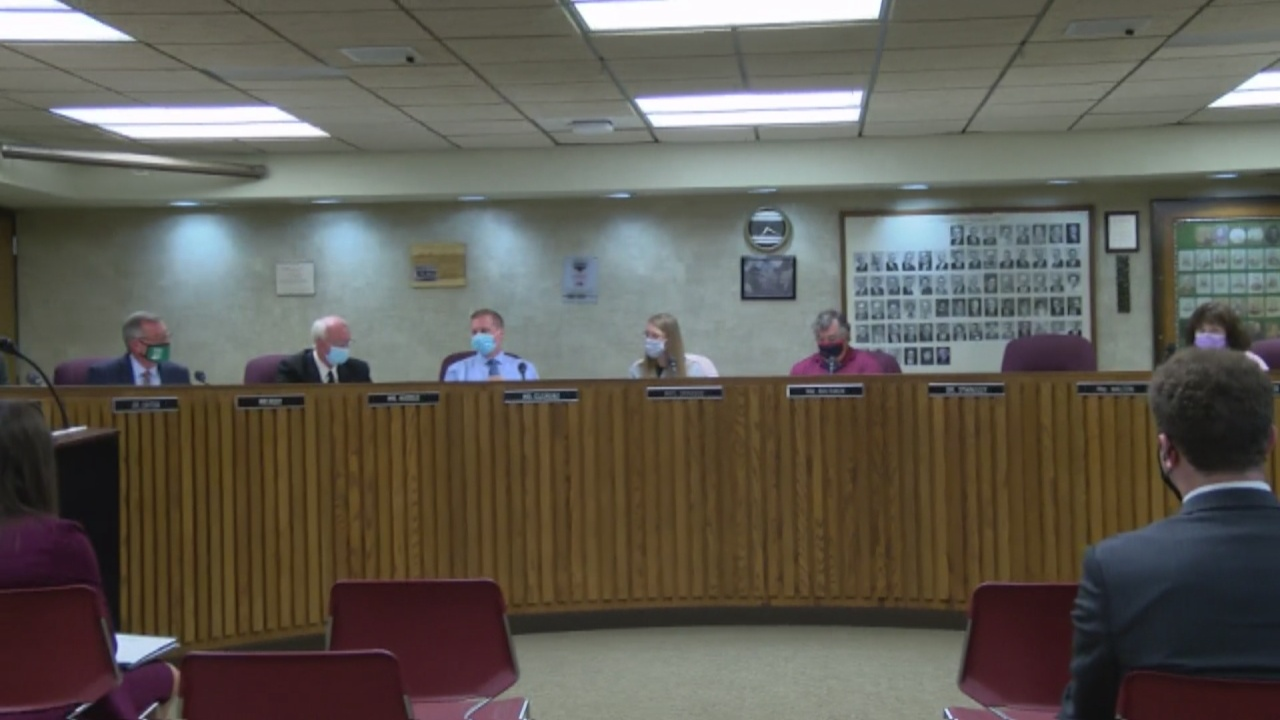 Image for LSC Adopts 2022 budget and approves the creation of two new clubs at Tecumseh Middle School