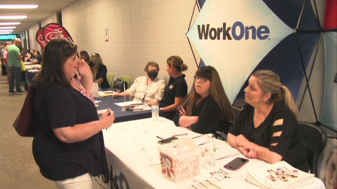 Image for Ivy Tech hosts job fair with over 70 employers on campus
